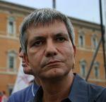 440px-Vendola,_Nichi_-_al_Pride_di_Roma_16-6-2007_-_Foto_Giovanni_Dall'Orto2
